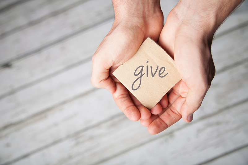 8 Easy, Unique, and Fulfilling Ways to Give Back This Thanksgiving